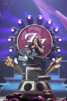 Dave Grohl's 'Iron Throne' powered by Ayrton MagicDot-R