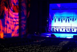 Kinetic Lighting chooses Elation Artiste DaVinci for Warner Grand Theatre