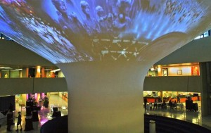 Center Stage AV mit Coolux-Equipment beim Nuit Blanche Event