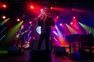 Keith Hoagland creates background for Rob Thomas album release party with Chauvet Professional