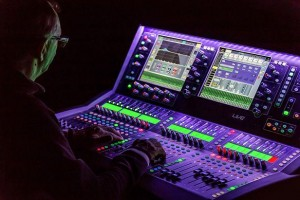 "Allen & Heath dLive mischt ""Schloss in Flammen"""