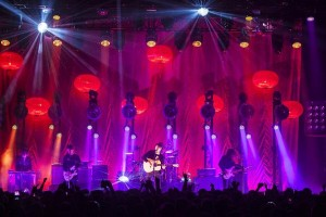 Colour Sound supplies lighting for Vaccines tour