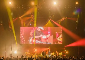 Alan Jackson on tour with Elation's Platinum FLX
