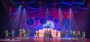 "Paco Mispelters chooses Robe, Martin, Claypaky and SGM fixtures for ""Unidamu"""