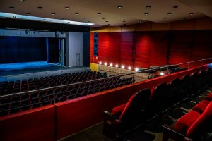 Altonaer Theater installiert LR7 Pro-Ribbon-Line-Array von Alcons Audio